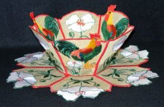 BFC0214 Lace Bowl & Doily - Roosters