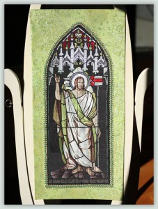 BFC1051 Stained Glass-Christ Risen