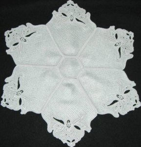 BFC0293 Lace Bowl and Doily Paisley Crystals