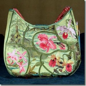 BFC0733 QIH Orchid Jungle Handbag