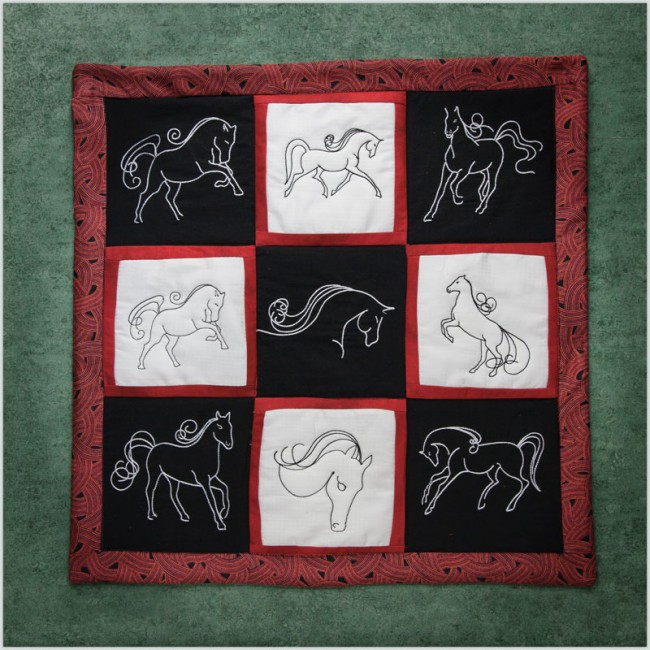 BFC1419 Horse Sketches Quilt Set