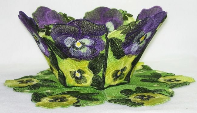 BFC0217 Lace Bowl & Doily Pansies
