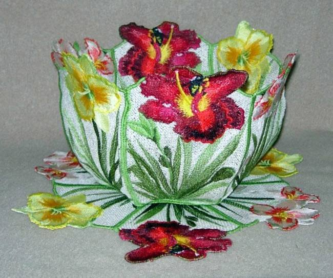BFC0280 Lace Bowl and Doily-Day Lilies