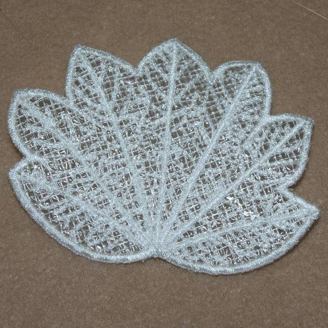 BFC0368 Freestanding Autumn Leaves