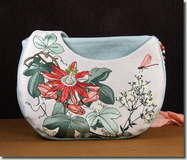 BFC0830 Passion Flower Handbag