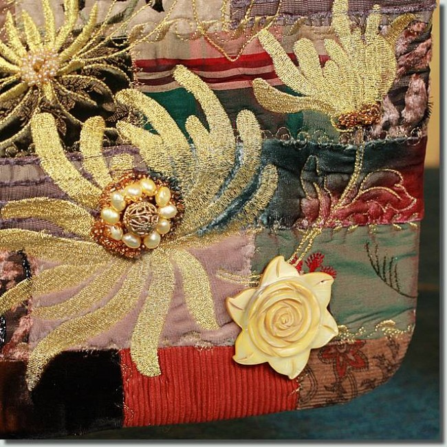 BFC0959 Flowery Scrappy Art Quilt